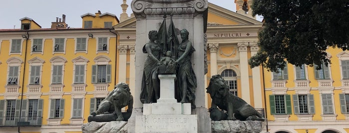 Monument à Garibaldi is one of สถานที่ที่ Cyril ถูกใจ.