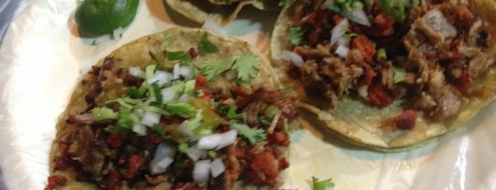 Pepe Tacos is one of Posti che sono piaciuti a Cristobal.