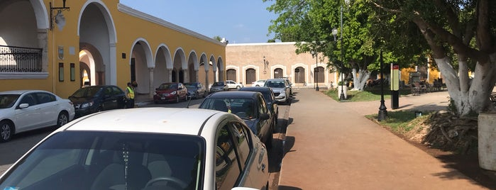 Parque Central Izamal Yucatan is one of Posti che sono piaciuti a Rafael.