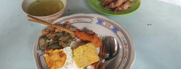 Warung Makan Sari Mertha - Spesial Ikan Laut is one of Foodism.