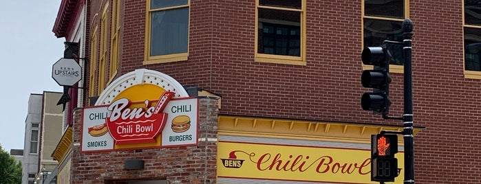Ben's Chili Bowl is one of Lugares guardados de John.