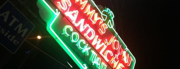 Tommy's Joynt is one of SFO Food Todo.