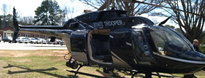 NC State Highway Patrol Training Center is one of Posti che sono piaciuti a Michael.