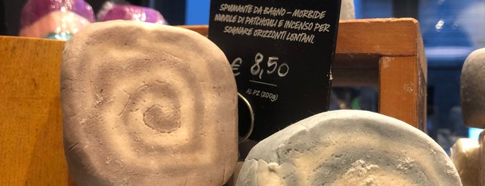 LUSH is one of Locais curtidos por Mik.
