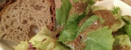 Cuisine de Bar is one of Healthy & Veggie Food in Paris.