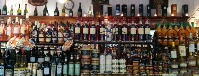 Le Comptoir Bordelais is one of Fred and Joanne's Europe Trip Fall 2014.