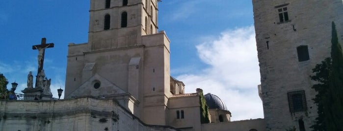 Palais des Papes is one of Fred and Joanne's Europe Trip Fall 2014.