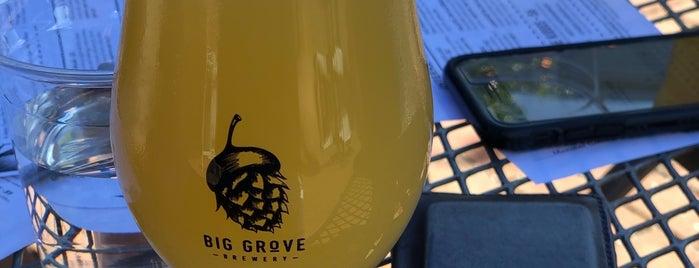Big Grove Brewery & Taproom is one of Locais curtidos por Jenn.