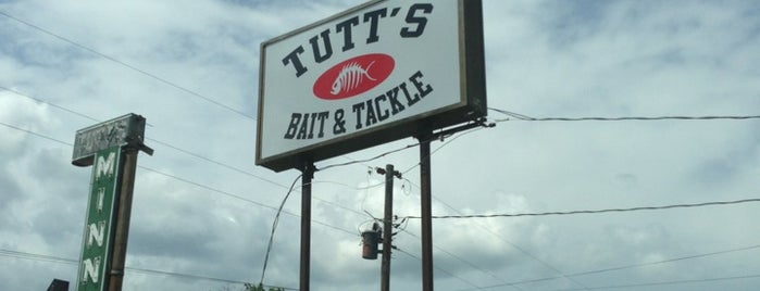 Tutt's Bait And Tackle is one of James 님이 좋아한 장소.