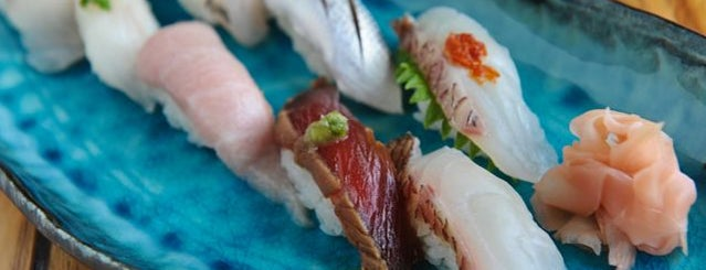 Umi Sushi is one of Locais curtidos por Tim.