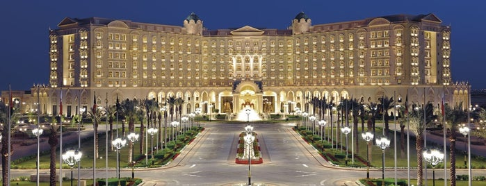 The Ritz-Carlton, Riyadh is one of Locais salvos de Queen.