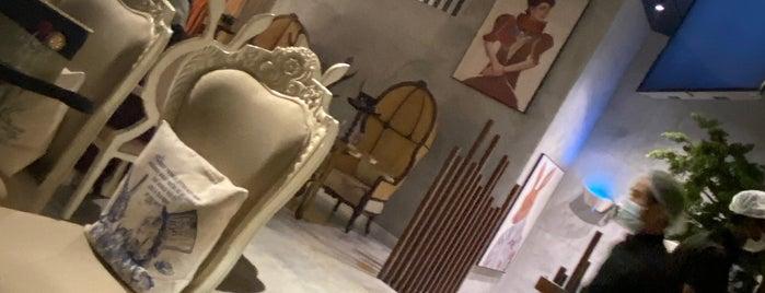 Madhatter Lounge is one of Riyadh.