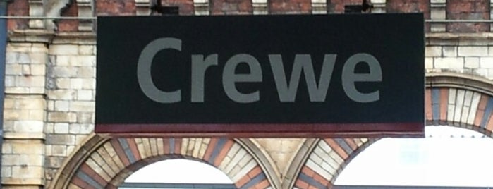 Crewe Railway Station (CRE) is one of Locais curtidos por Ricardo.