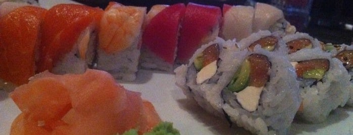 MK's Sushi is one of Lugares favoritos de Curt.