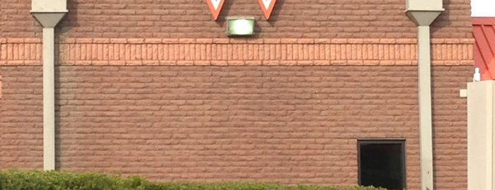 Whataburger is one of KATIE 님이 좋아한 장소.