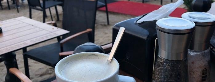 Roberts Coffee Kemer Moonlight is one of สถานที่ที่ Can ถูกใจ.