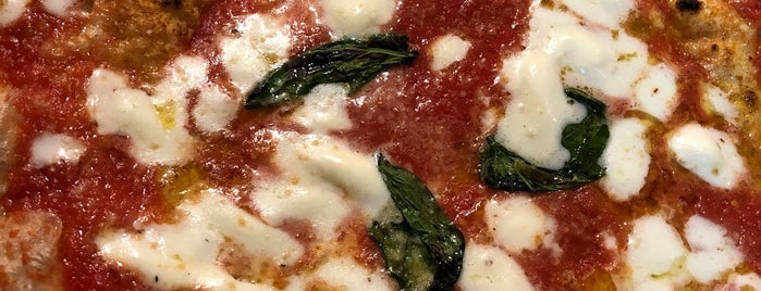 L'Antica Pizzeria da Michele is one of Alexさんのお気に入りスポット.