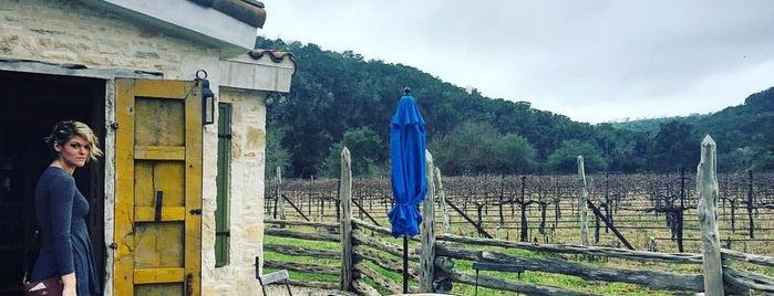 La Cruz De Comal is one of สถานที่ที่ Raul ถูกใจ.