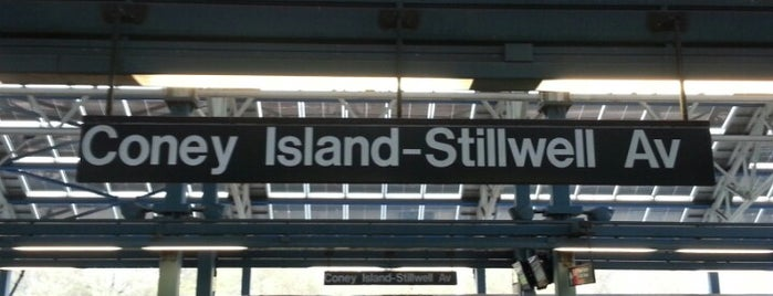 MTA Subway - Coney Island/Stillwell Ave (D/F/N/Q) is one of Tempat yang Disukai Geraldine  🤡😻😆💋👋.