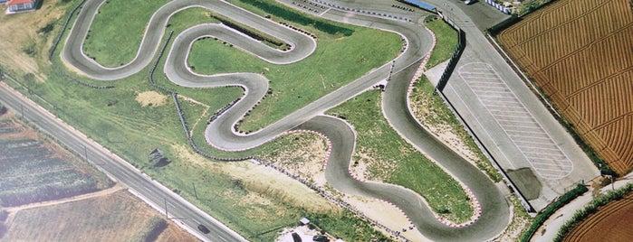 DinoKart - Kartódromo da Lourinhã is one of Tempat yang Disukai Eric.