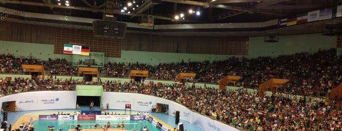 Azadi 12k Stadium | ورزشگاه دوازده هزار نفری آزادی is one of Nikki'nin Kaydettiği Mekanlar.