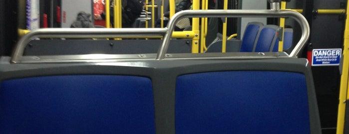 MTA Bus - E 14 St & Irving Pl (M14A/M14D) is one of Diana 님이 좋아한 장소.