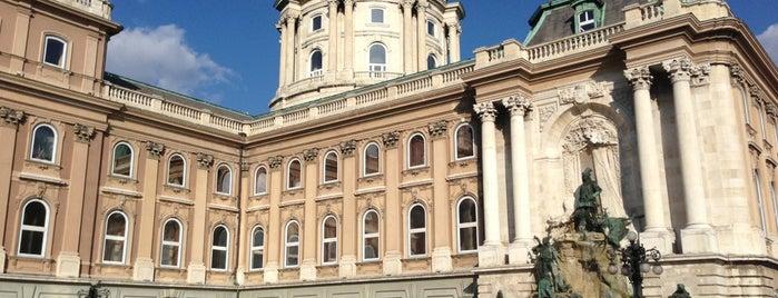 Castelo de Buda is one of Budapest.
