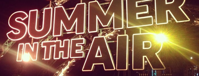 Tonight Summer in the Air is one of Lugares favoritos de Denis.