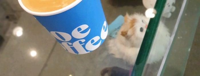 Joe Coffee is one of Orte, die Karen gefallen.