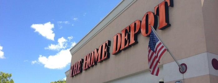 The Home Depot is one of Orte, die Nate gefallen.