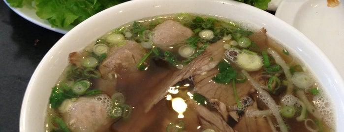 Golden Deli Vietnamese Restaurant is one of สถานที่ที่ Andrew ถูกใจ.