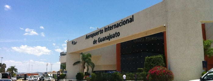 Aeropuerto Internacional de Guanajuato (BJX) is one of สถานที่ที่ Sergio M. 🇲🇽🇧🇷🇱🇷 ถูกใจ.