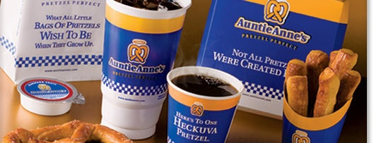 Auntie Anne's Pretzels is one of Sitios del mes.