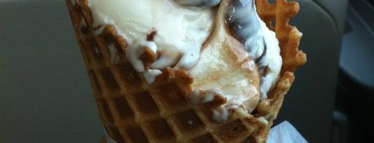 Randall's Original Frozen Custard is one of Locais curtidos por Matthew.