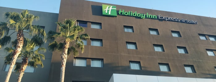 Holiday Inn Express & Suites Hermosillo is one of Orte, die Alejandro gefallen.
