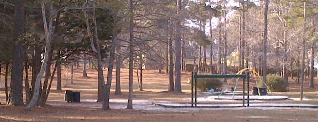 Northeast Creek Park is one of Top Picks for Disc Golf Courses 2.