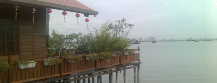 The Clan Jetty - (姓周桥 Chew Jetty) is one of Lugares favoritos de cui.