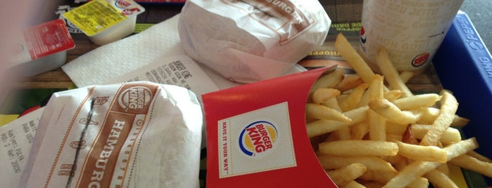 Burger King is one of Locais curtidos por k&k.