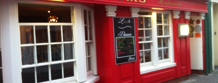 Max's Wine Bar & Restaurant is one of Loredana's Liked Places.