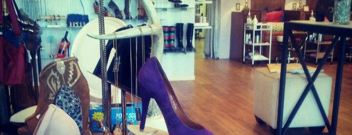 Happy Feet Boutique is one of Marshaさんの保存済みスポット.