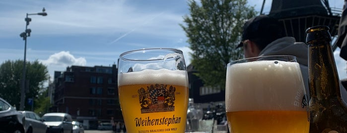 Bar Restaurant De Kop van Oost is one of Amsterdam.