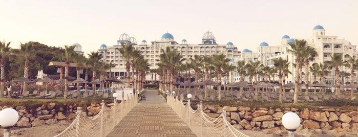 Rubi Platinum Spa Resort & Suites is one of Tempat yang Disukai Cuneyt.