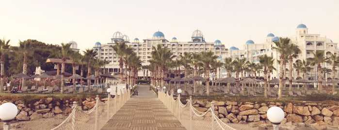 Rubi Platinum Spa Resort & Suites is one of Cuneyt : понравившиеся места.