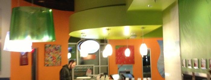 U-Swirl Frozen Yogurt is one of Locais salvos de Katie.