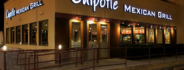 Chipotle Mexican Grill is one of Tempat yang Disukai Ken.