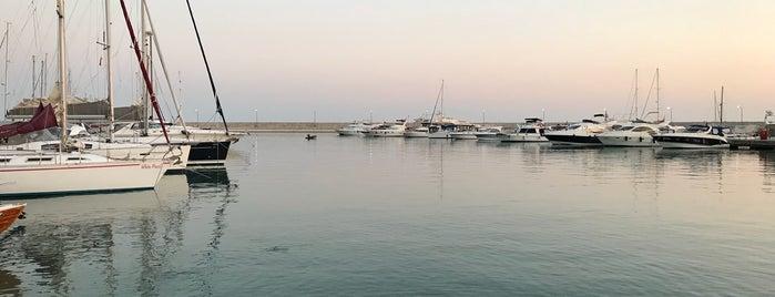 Mersin Marina is one of Orte, die Faruk gefallen.