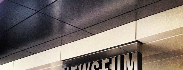 Newseum is one of Washington, DC.
