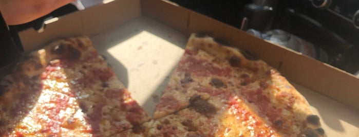 F&F Pizzeria is one of Brooklyn To Do List.