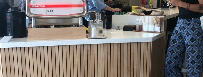 Kumquat Coffee is one of Whitさんの保存済みスポット.