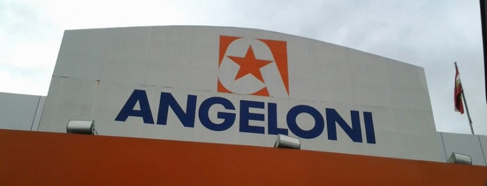 Supermercado Angeloni is one of Mariana 님이 좋아한 장소.